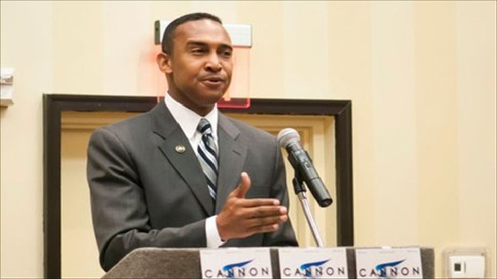 Charlotte Mayor Patrick Cannon resigns after arrest on bribery charges
