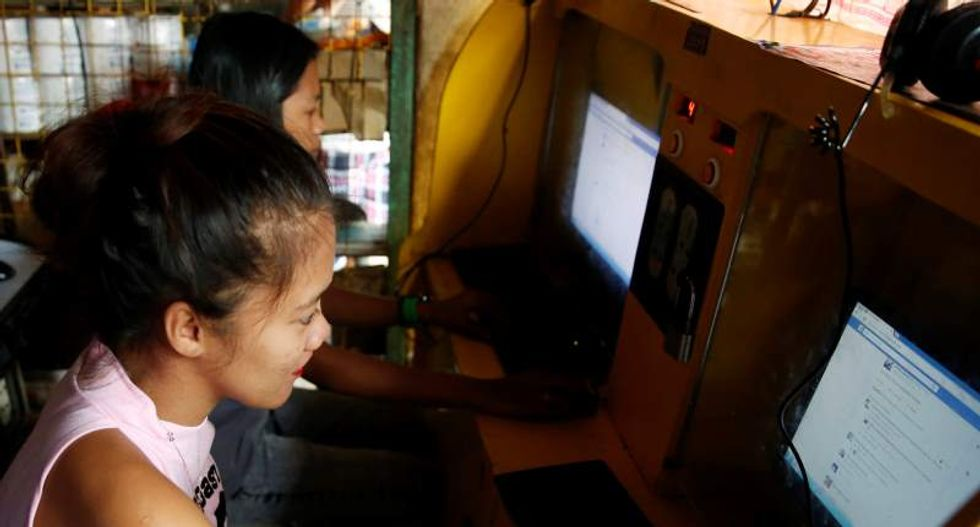 Filipinos fume as snail-pace internet service leaves Manila businesses on ice