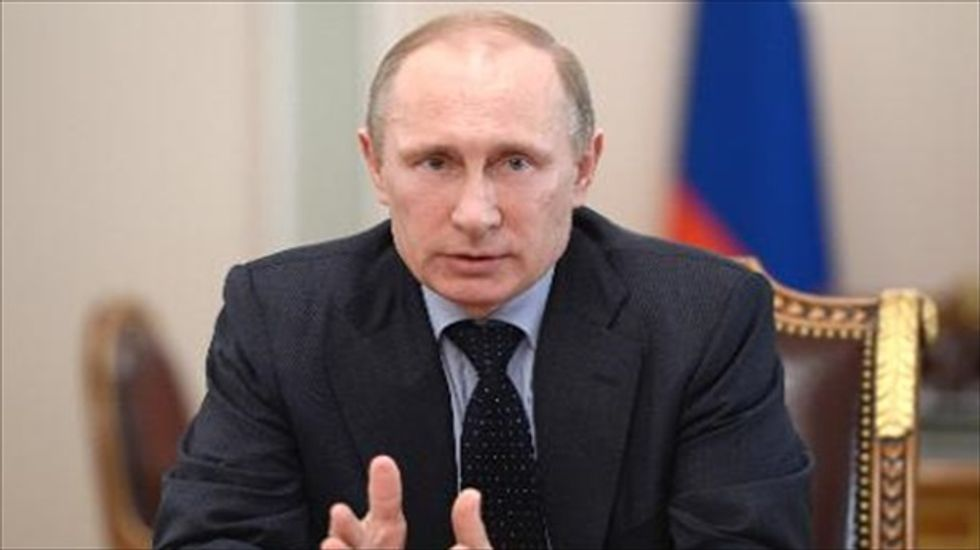 Putin calls Obama to discuss diplomatic solution to Ukraine crisis