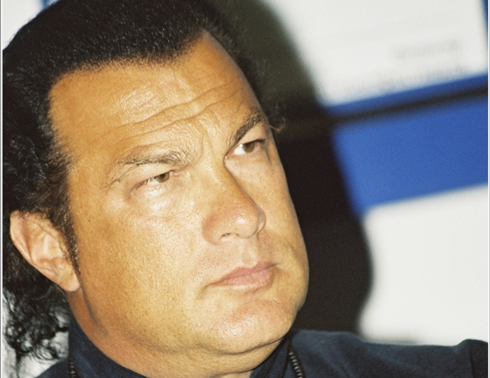 Steven Seagal favors Putin over Obama and says he may emigrate to Russia