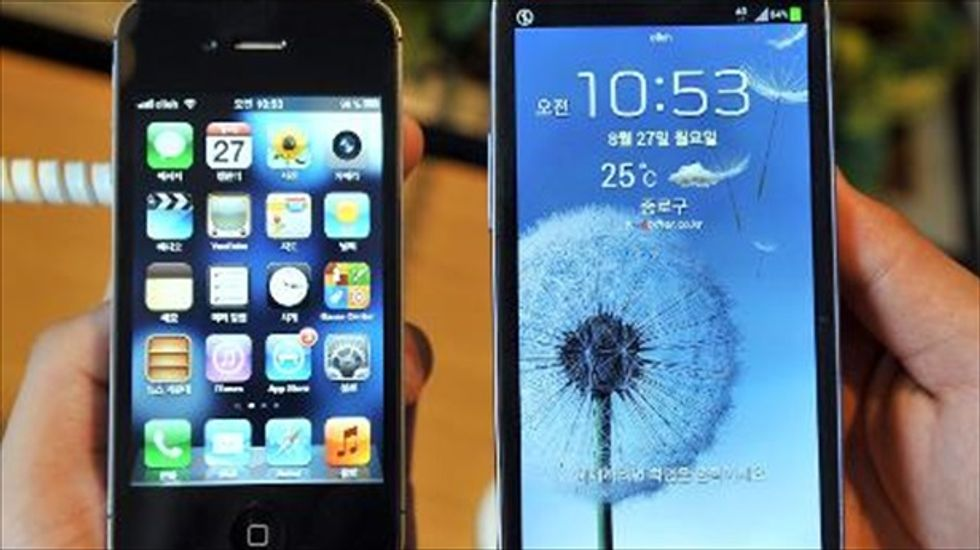 Apple, Samsung make final pitches in high-stakes phone patent trial