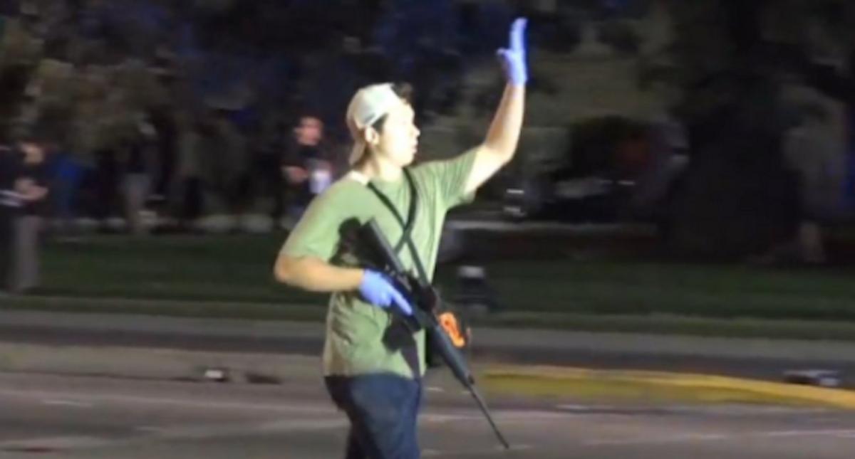 Kenosha shooter Kyle Rittenhouse flashed white power signs while drinking with Proud Boys: Prosecutors