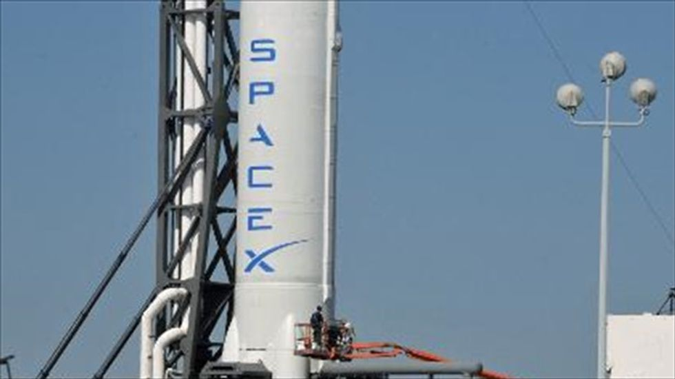 Company files lawsuit against NASA and SpaceX over 'space taxi' contracts