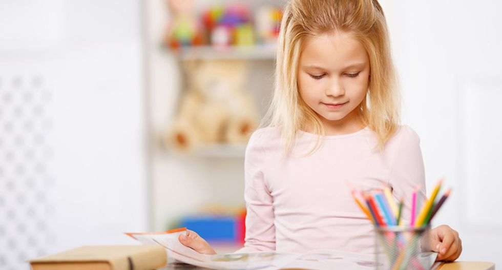 Classroom standing desks may help kids slim down