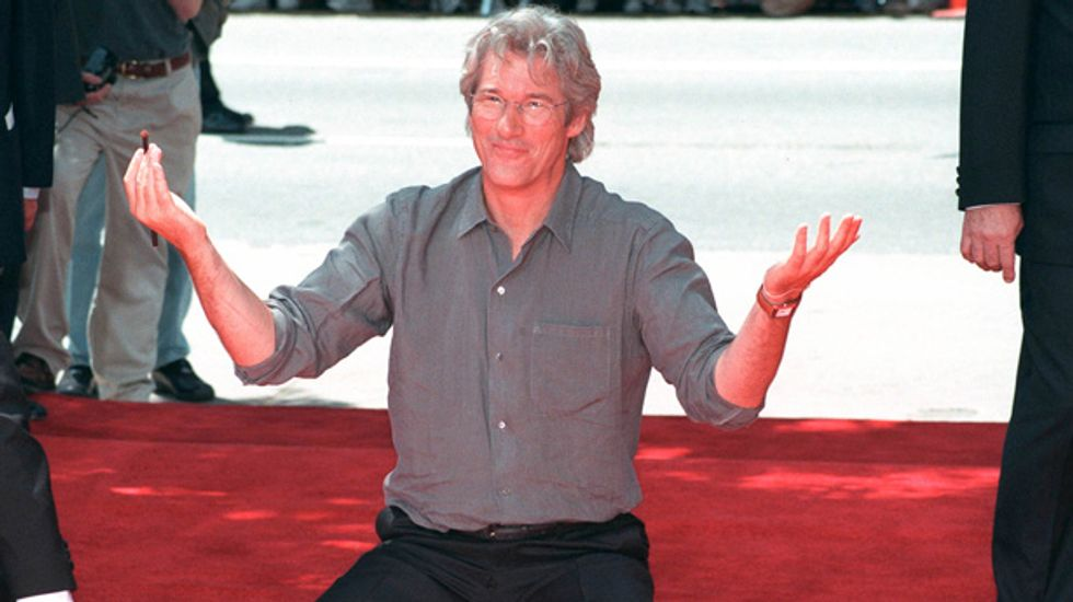 Tourist mistakes Richard Gere for beggar, gives him cold pizza