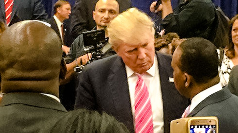 Here are seven reasons the media shouldn't let Trump move on from Birtherism
