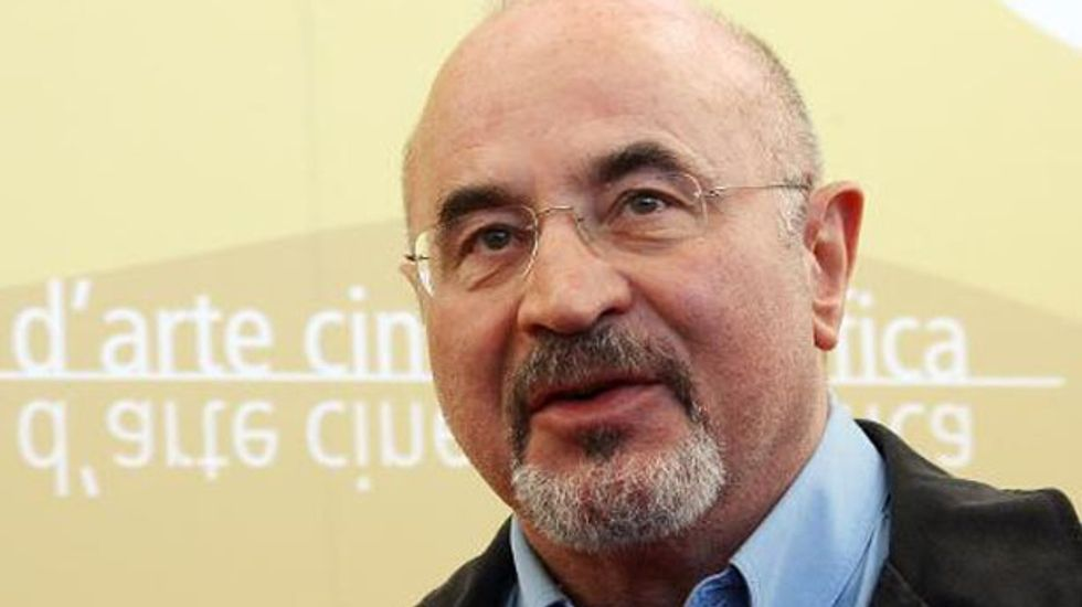 British actor Bob Hoskins dies aged 71 following a bout of pneumonia