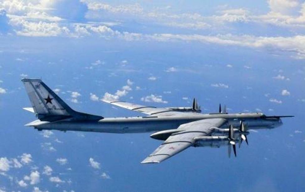 Russian bombers, fighter jets spotted in the sky above Crimea