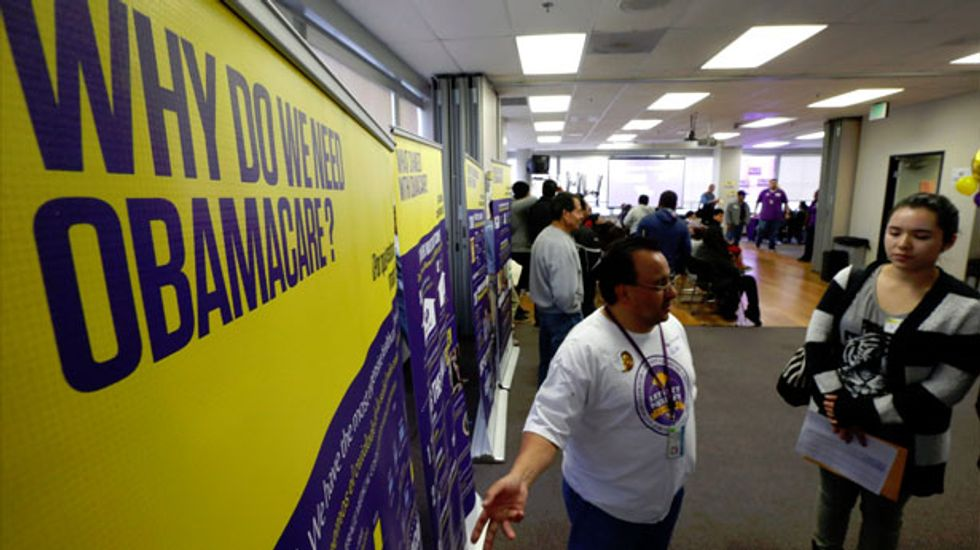 Fewer in U.S. lack health insurance after Obamacare rollout, poll finds