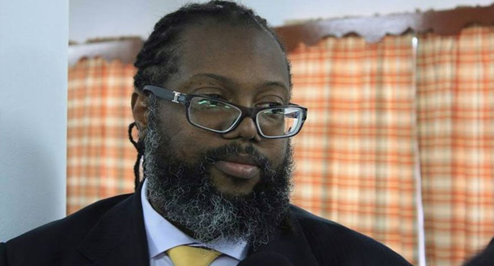 Prominent black lawyer denied entry into exclusive club while whites were buzzed in