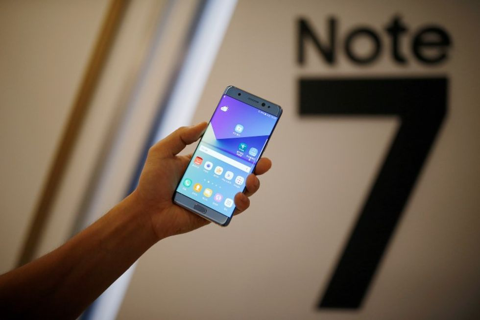 Safety group warns consumers to stop using exploding Samsung Galaxy Note 7 phones