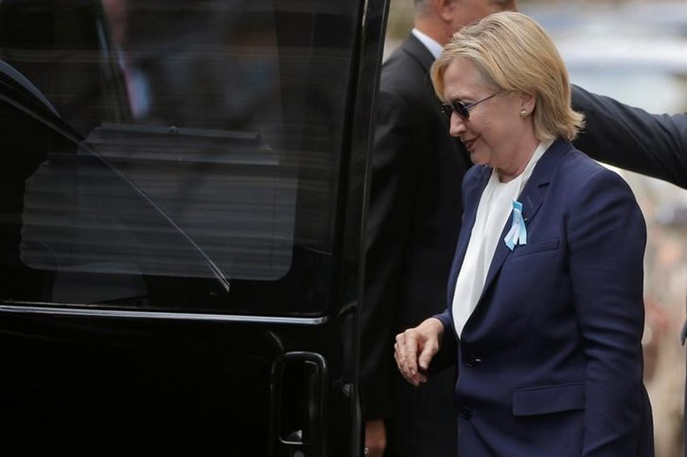 Clinton cancels California trip after pneumonia: aide