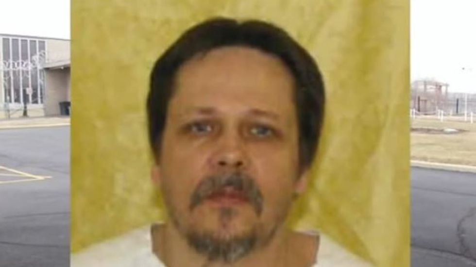 Prison officials say attorney coached Ohio inmate to feign suffocation during execution