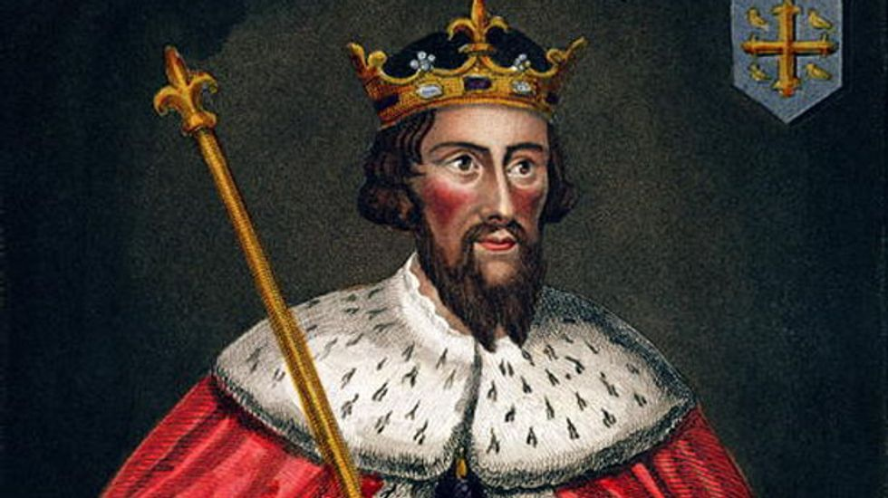 Alfred the Great's remains found in Winchester, say archaeologists