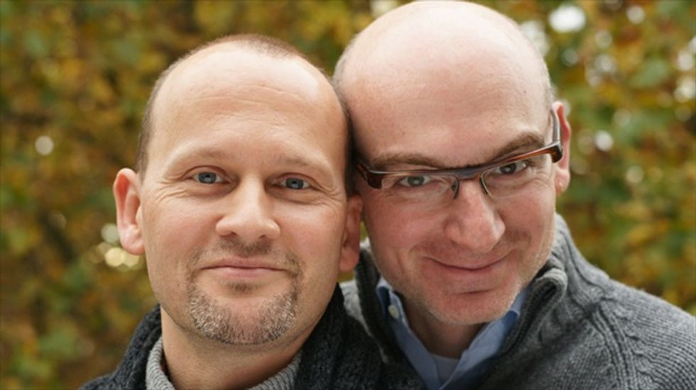 Gay couple sues Ohio government for not allowing them access to Obamacare