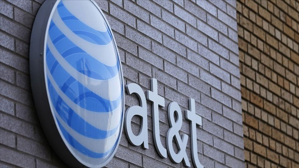 Report: AT&T negotiating to buy DirecTV for about $50 billion