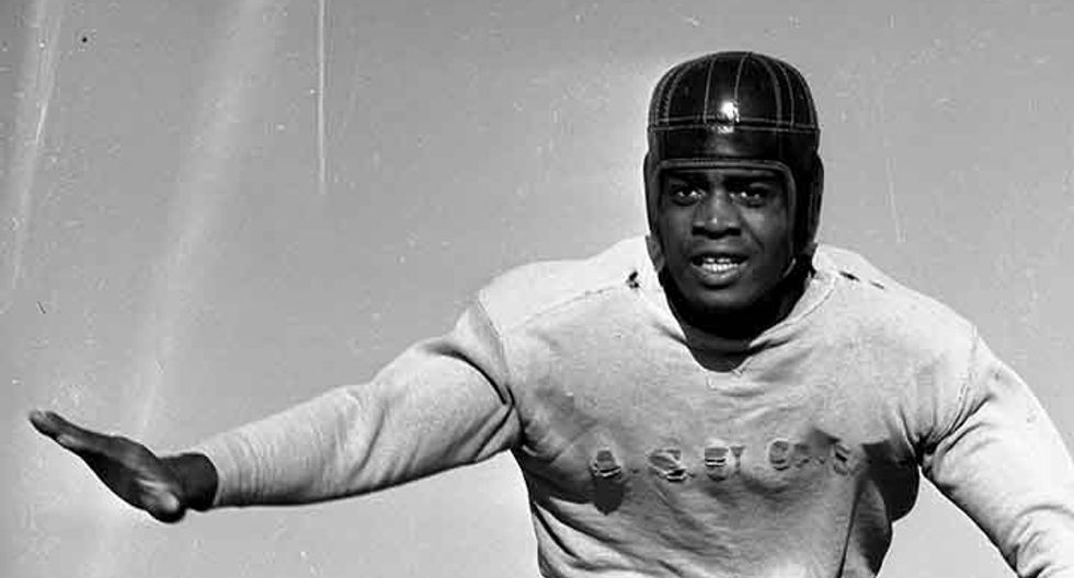 In 1946, a black newspaper led a campaign to get the NFL to hire Kenny Washington -- and desegregated the league