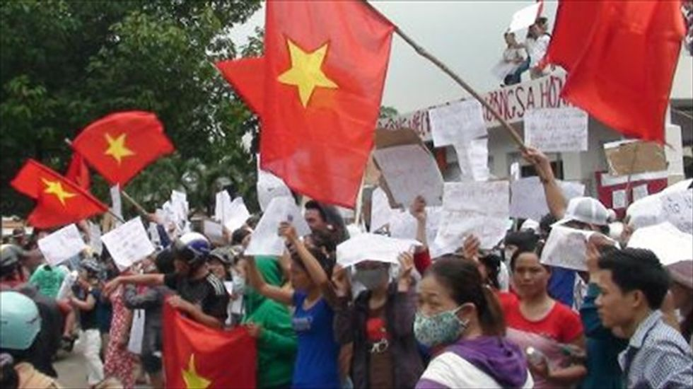 Violent anti-China rallies in Vietnam pose 'huge dilemma' for the U.S.