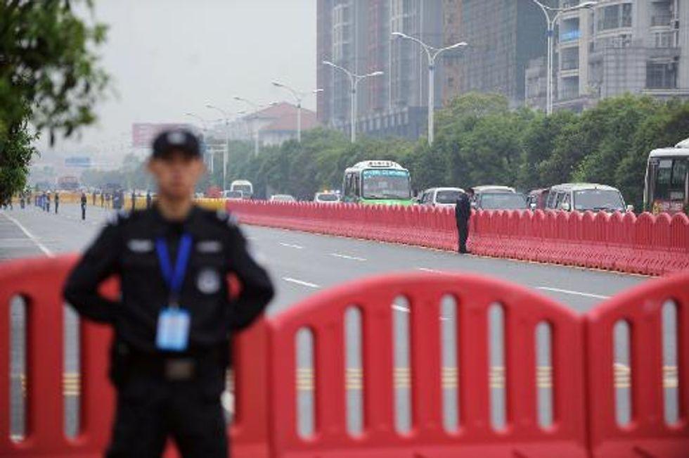China sentences billionaire mining tycoon to death