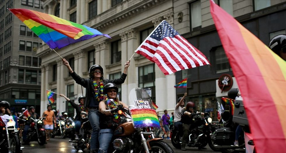 Texas county clerk reverses course, starts issuing same-sex marriage licenses