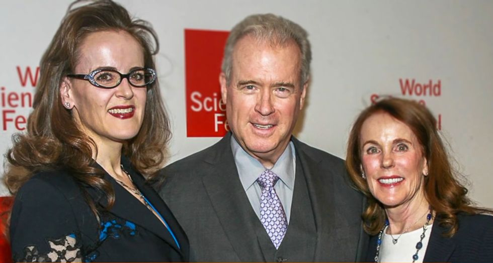 Major Trump and Breitbart donor Robert Mercer became a volunteer cop so he could carry a concealed weapon anywhere
