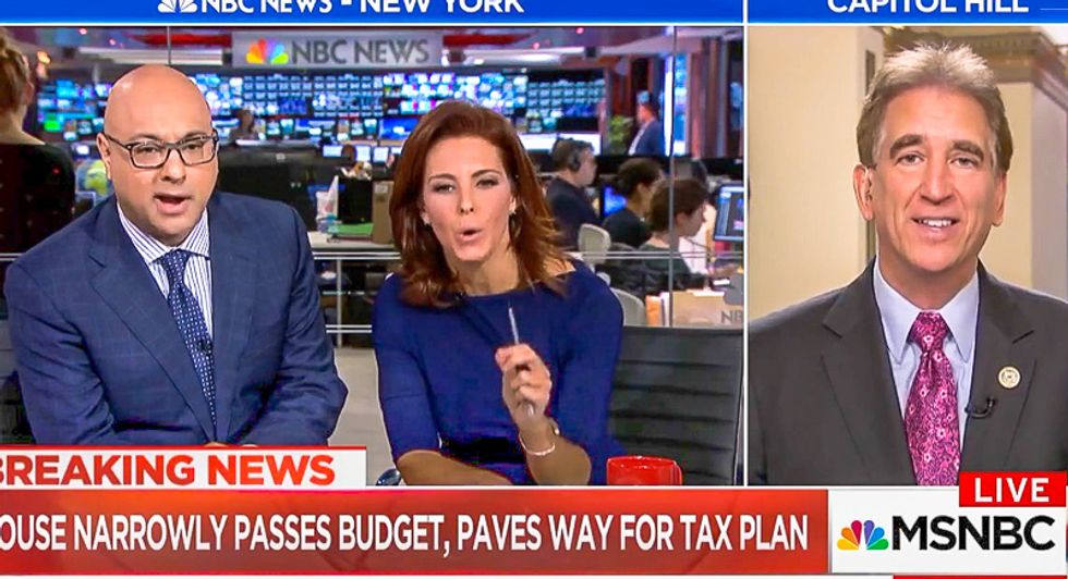 Velshi & Ruhle shred GOPer over tax lies: 'Ignore the fact that I don't have hair and I'm not really bald'