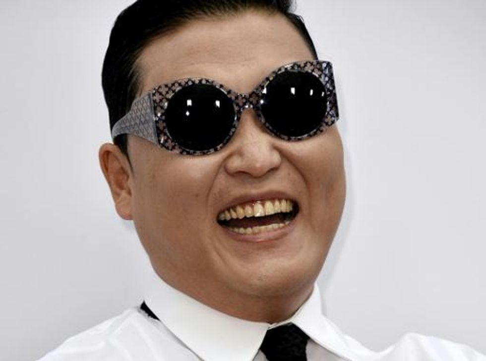 Psy's 'Gangnam Style' sets YouTube record for 2 billion views