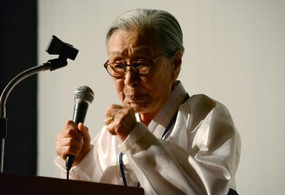 Former 'comfort women' demand apology from Japan