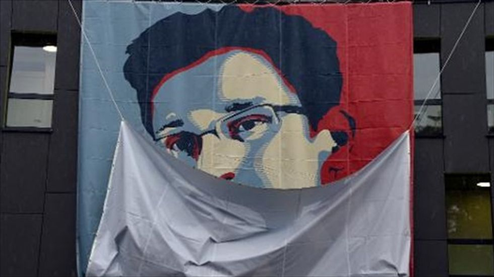 German lawmakers vote to attempt to question Edward Snowden