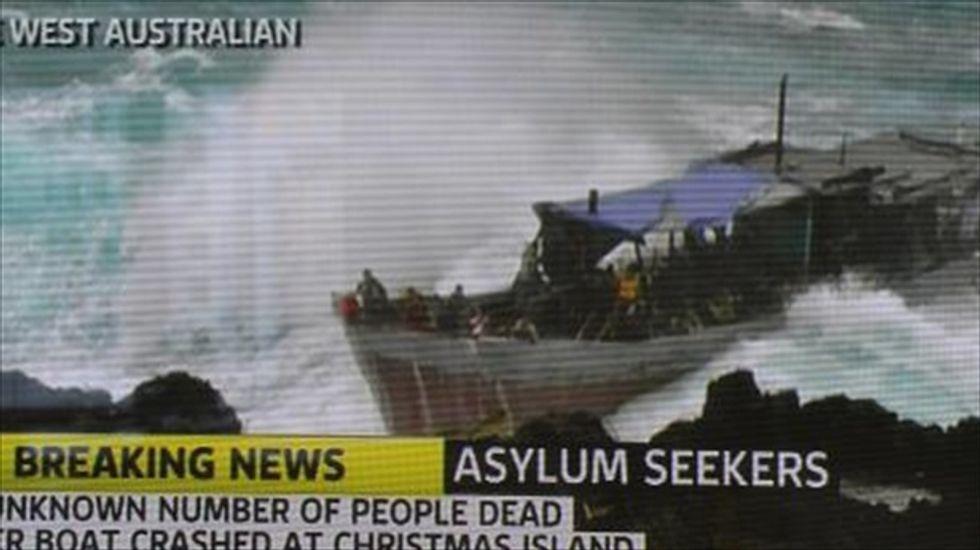 Australia offers asylum-seekers $10,000 to return home