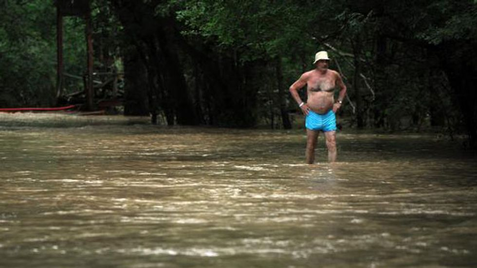 1,000 Romanian tourists stranded by Bulgaria flash floods