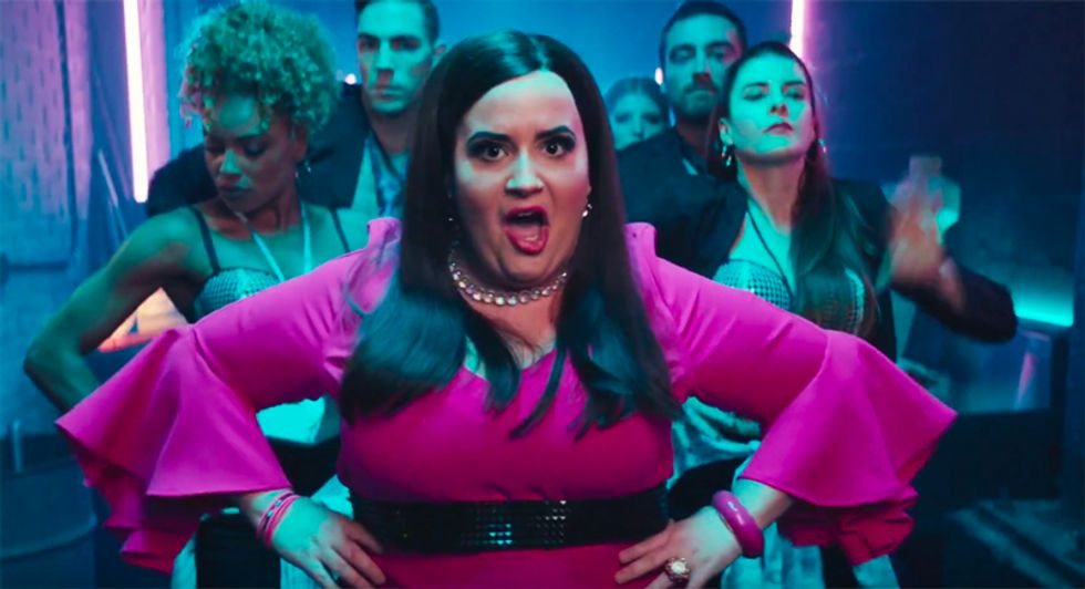 'Confident' Lies: SNL ridicules Sarah Huckabee Sanders in parody of Demi Lovato's hit single