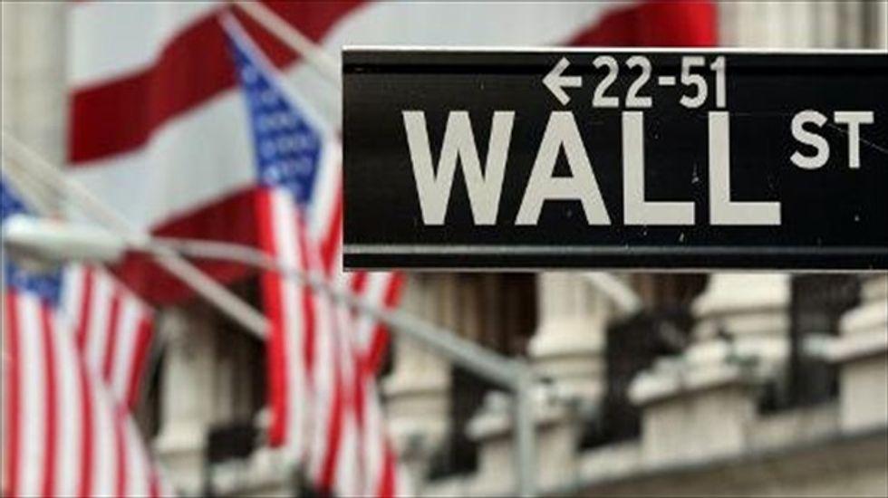 Wall Street pummeled by escalating trade row