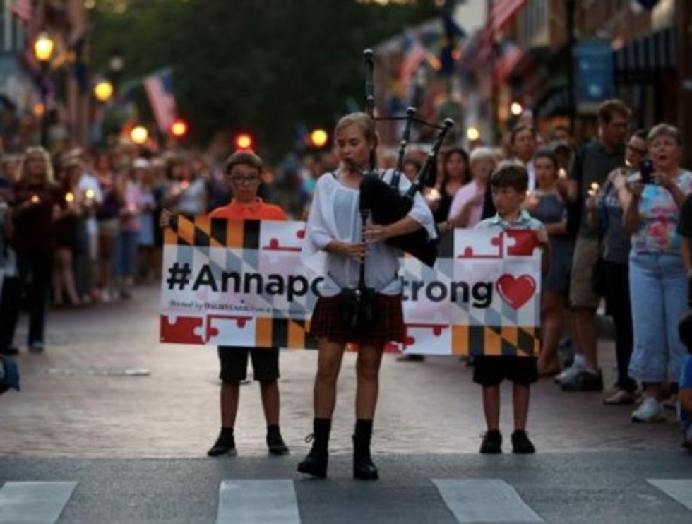 Hundreds gather in Annapolis to remember shooting victims