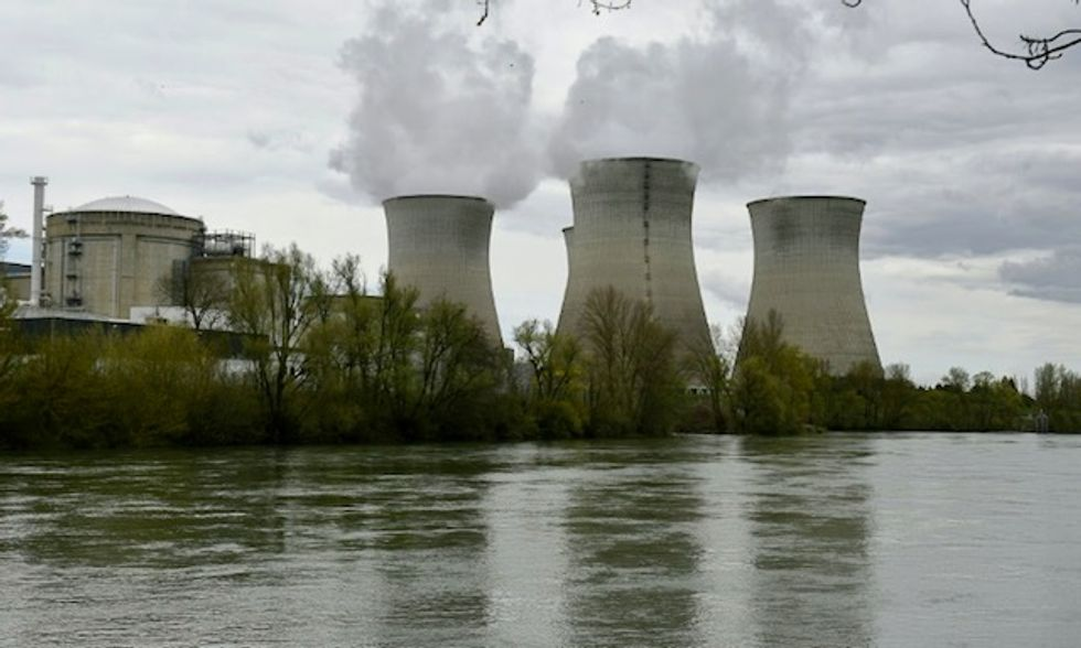Greenpeace activists 'crash' drone into French nuclear plant