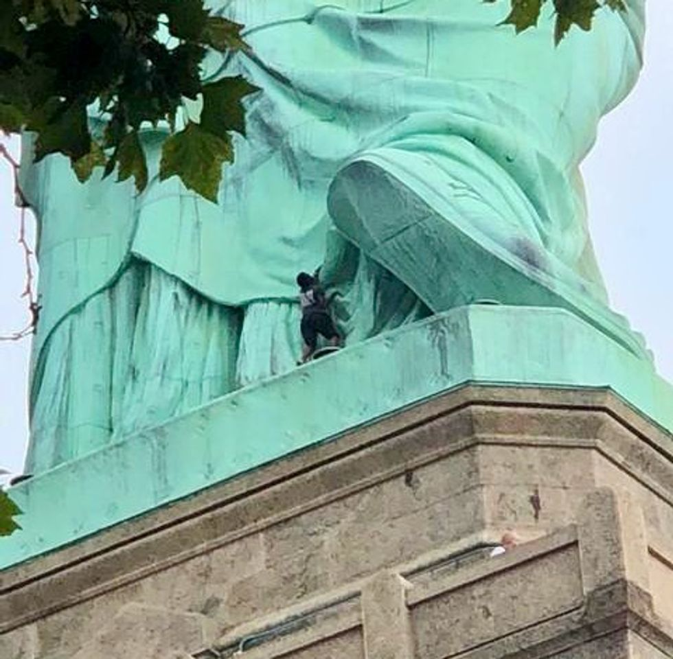 Statue of Liberty climber to be arraigned in federal court: paper