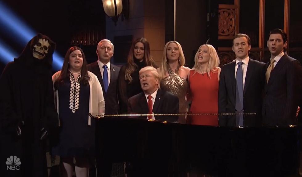 WATCH: Alec Baldwin as Trump sings 'Hallelujah' with whole White House clan in hilarious SNL opener