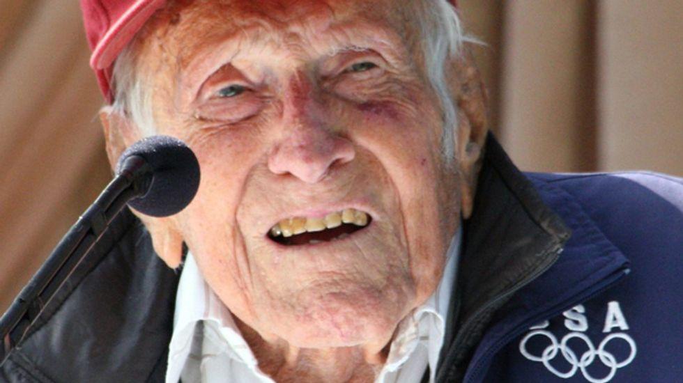U.S. war hero Louis Zamperini, inspiration for 'Unbroken,' dead at 97