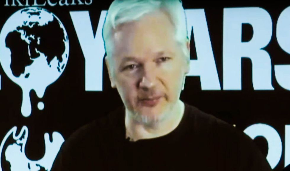 'I stayed up all night for this?!': Trump fans seethe after WikiLeaks' #OctoberSurprise is a bust