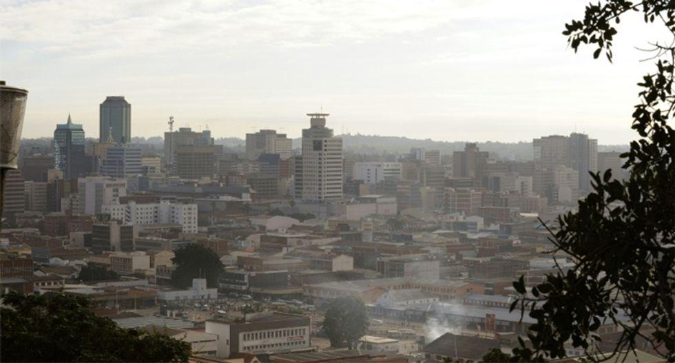 US tells citizens in Zimbabwe to 'shelter' amid uncertainty and crisis threatening Mugabe government