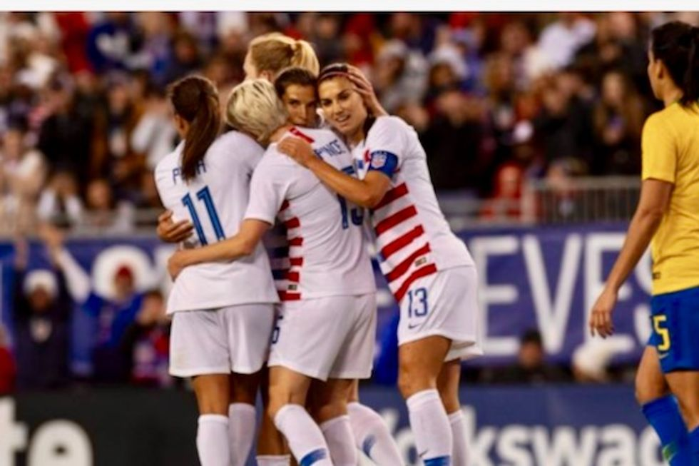 Men's team blasts US Soccer, backs women's equal pay fight