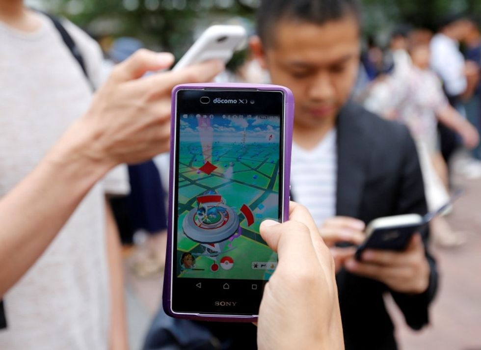 Nintendo shares plunge as company clarifies that it doesn't make Pokemon GO