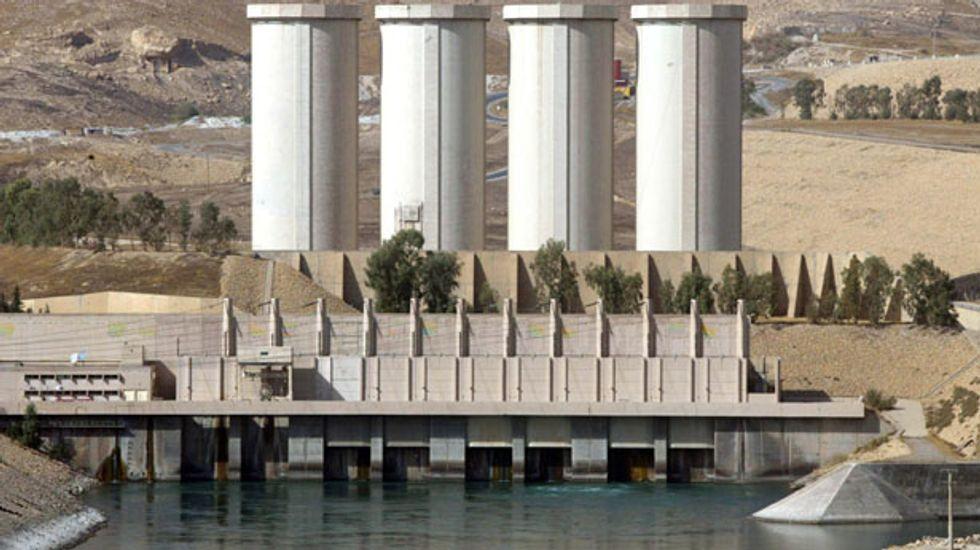 Islamic State jihadists seize Iraq's largest dam in Mosul