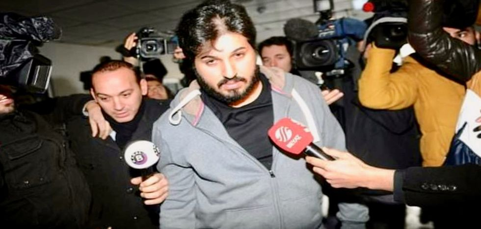 Turkish gold trader says he paid $45,000 bribe to US prison guard