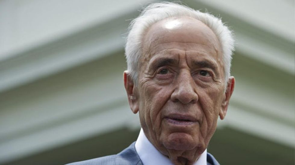 Israel's Shimon Peres receives U.S. Congressional Gold Medal