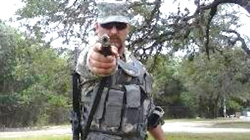 Militia plans to guard border by aiming guns at immigrants, start revolution if cops show up