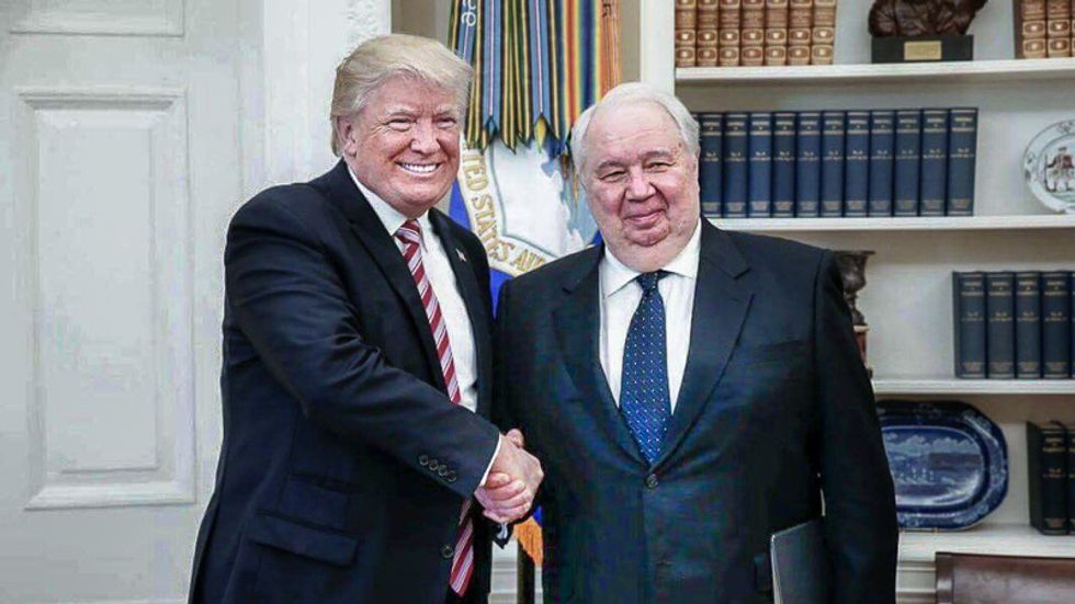 British Brexit operatives were in contact with Russian ambassador during and after Trump meeting: CNN