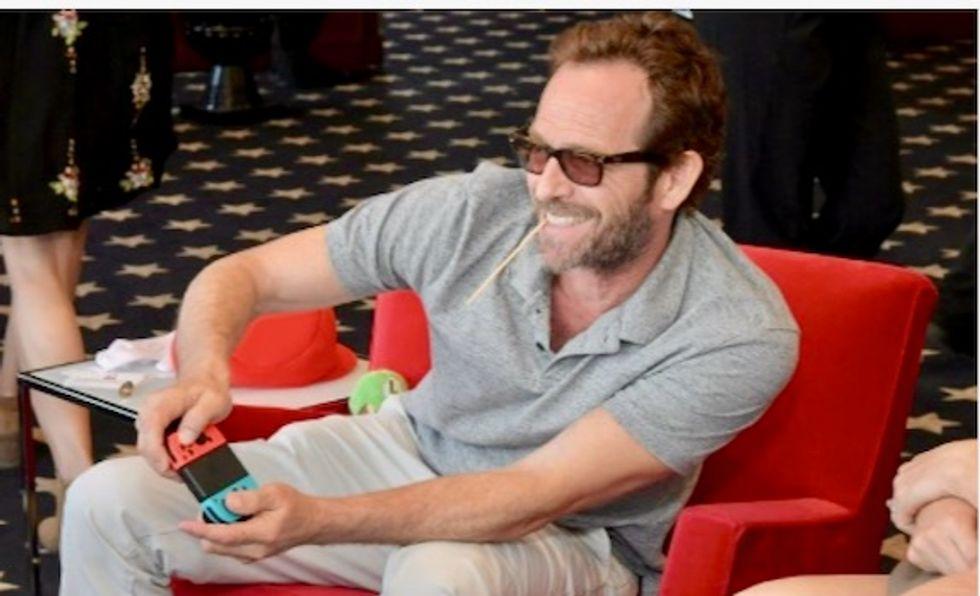 '90210' actor Luke Perry reportedly suffers massive stroke