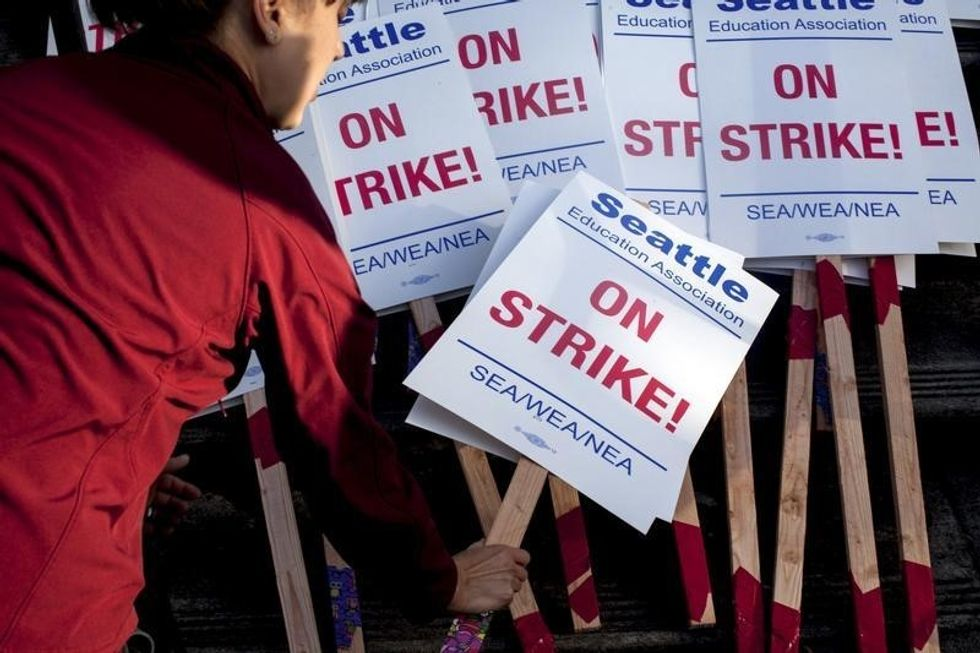 Seattle schools to be closed again on Monday in teachers strike