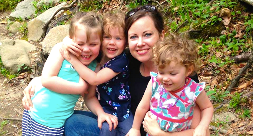 Anti-vaxx mom abandons the movement after all three of her kids nearly die from rotavirus